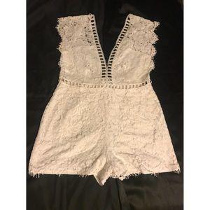 Cream Lace Romper (Size Large)